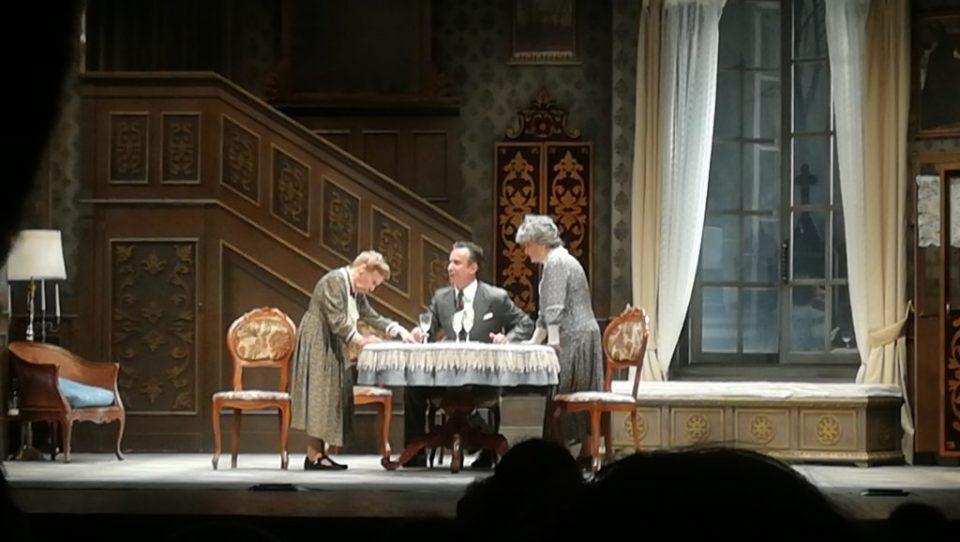 Arsenico e vecchi merletti al Teatro Mercadante di Napoli