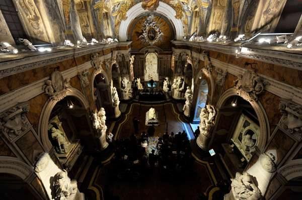 LA CAPPELLA DI SANSEVERO. STORIA E LEGGENDE DELLA CHIESA DEL CRISTO VELATO