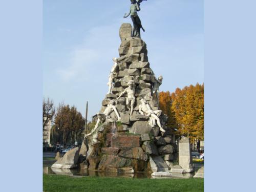 Torino e i suoi luoghi esoterici: Piazza Statuto tra storia, leggenda e satanismo